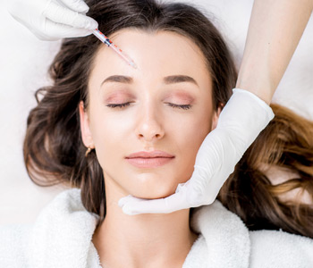 Botox woman fillers spa facial young treatment syringe